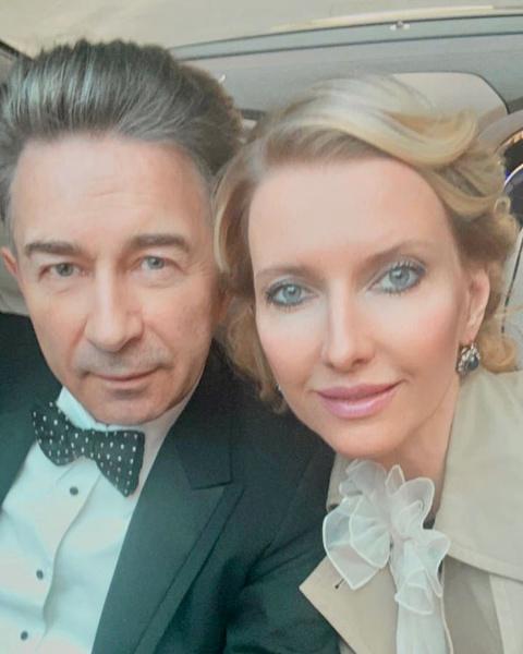 Валерий Сюткин показал свадебное фото с женой