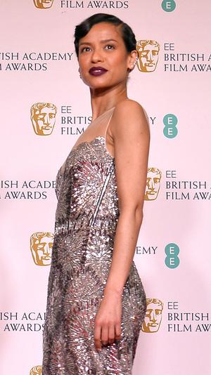 Фото №7 - BAFTA 2021: самые стильные звезды на красной дорожке церемонии