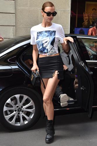 Фото №3 - Как одевается самая модная российская топ-модель: 6 правил стиля Ирины Шейк