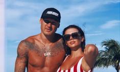 Любовь в мини-бикини: фото звезд из медового месяца