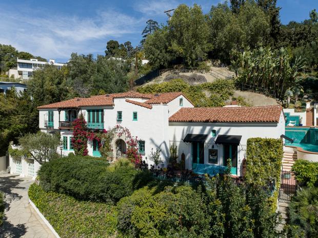 Фото №1 - Леонардо ди Каприо купил дом для мамы