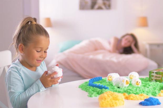 Фото №4 - 8 навыков, которые развивают дети с пушистым пластилином