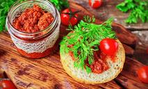Песто из вяленых томатов
