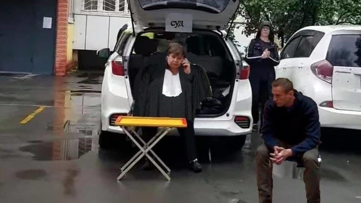 Фото №5 - «Встреча во Внукове»: реакция соцсетей и властей на возвращение и задержание Навального