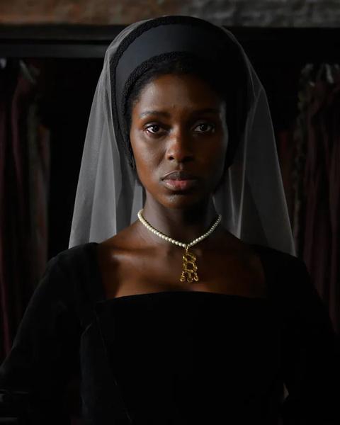 Фото №3 - Королева-бунтарка: почему на роль Анны Болейн выбрали темнокожую актрису