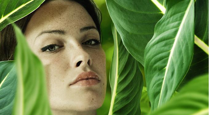Как сочетать любовь к природе и любовь к люксовой косметике