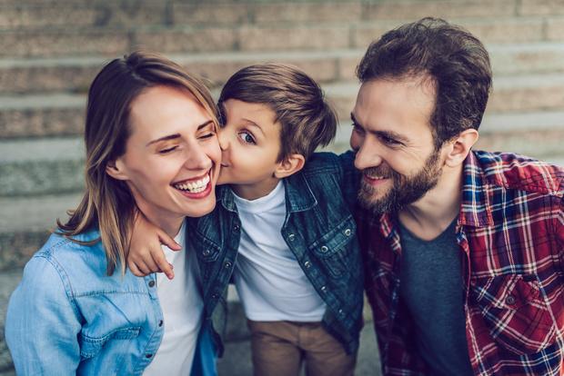 Фото №1 - Ученые: родители любят мальчиков больше, чем девочек