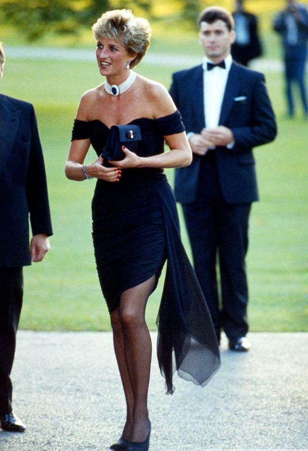 Фото №2 - «Они не остановятся, пока она не умрет»: еще один шок-контент от принца Гарри о Меган Маркл