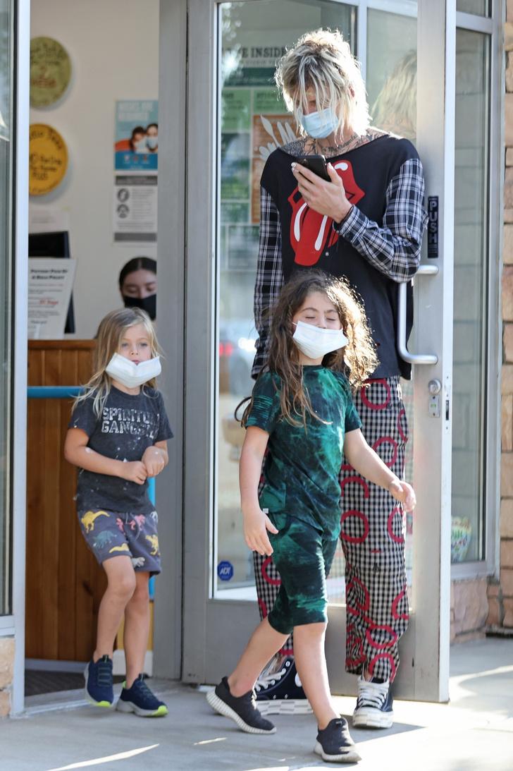Фото №3 - Новый этап в отношениях: Machine Gun Kelly проводит время с детьми Меган Фокс