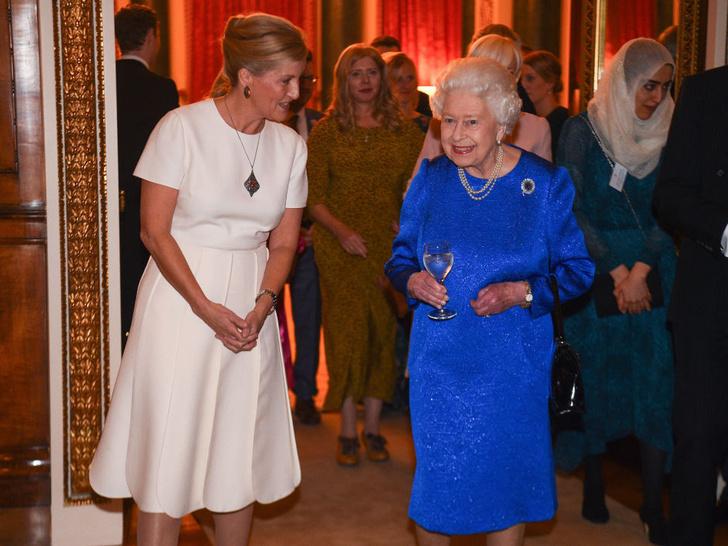 Фото №2 - Невестки Ее Величества: почему Королева была с самого начала уверена в Софи (а в Диане и Саре Фергюсон— нет)