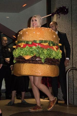 Кэти Перри: безумные наряды, фото