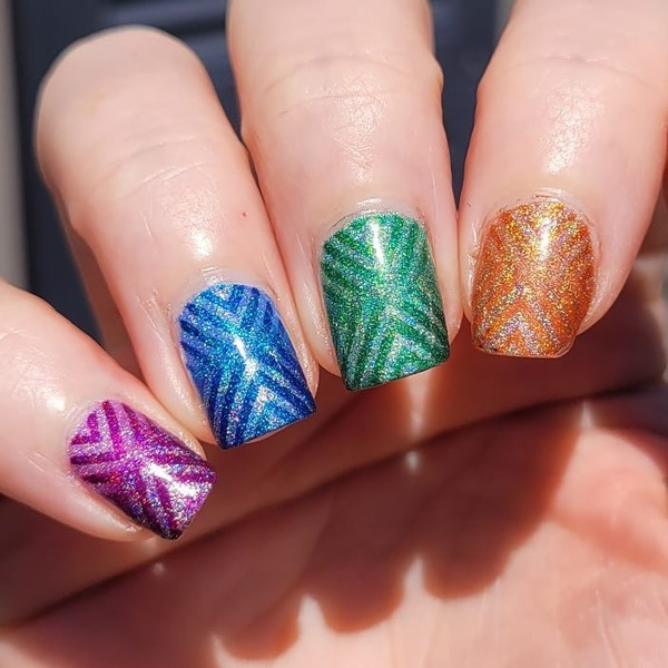 Фото №9 - Skittle nails: 12 идей конфетного маникюра