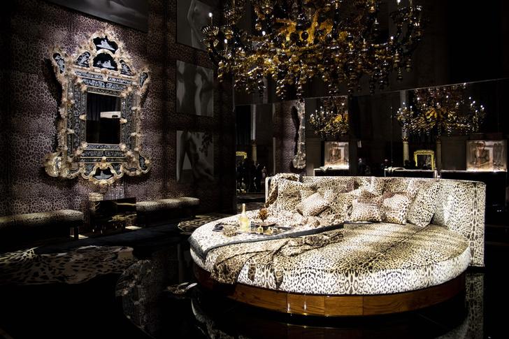Фото №5 - Премьера первой коллекции Dolce & Gabbana Casa в Венеции