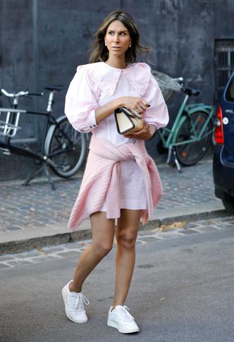 Фото №8 - Какие платья можно носить с кроссовками: советы стилиста