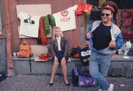 Одежда из 90-х, которая была модной, потом стала стыдной, а теперь опять стала модной