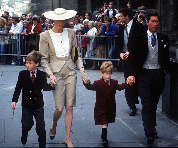 <p>Официально развод был оформлен 28 августа 1996 года</p>