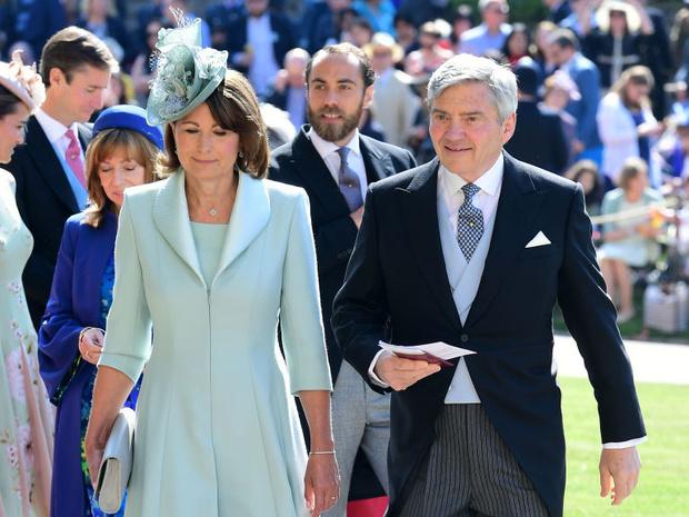 Фото №4 - Особый сюрприз: как Королева поздравит Кейт и Уильяма с десятой годовщиной свадьбы