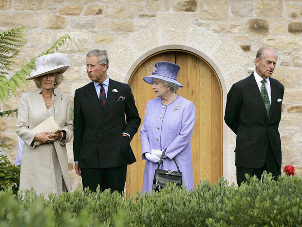 Фото №2 - Шок и оцепенение: как Виндзоры отреагировали на интервью Сассекских