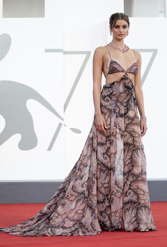 Фото №8 - Венецианский кинофестиваль 2020: лучшие образы церемонии открытия