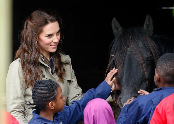 Фото №4 - Кейт Миддлтон с трудом справляет день рождения королевы— и все из-за страшной аллергии
