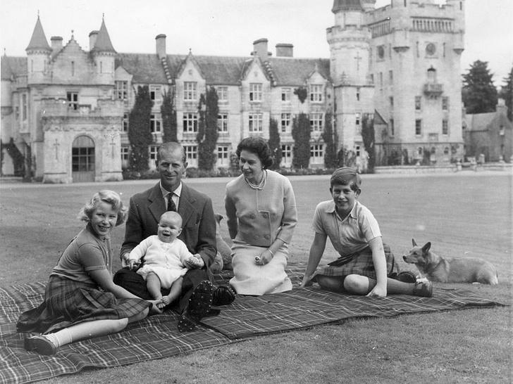 Фото №3 - Мамин любимчик: кого из детей Елизавета II всегда выделяла среди других (и почему)