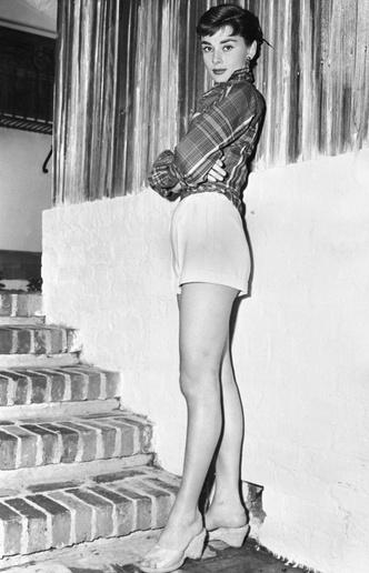 Фото №28 - Моя прекрасная леди: 15 модных уроков, которые сделали Одри Хепберн иконой стиля