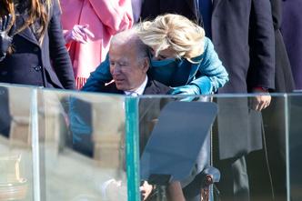 Фото №21 - Иванка плакала, Трамп обещал вернуться: как Джо Байдена посвящали в президенты