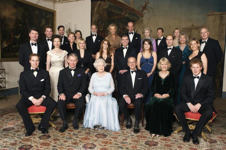 Фото №8 - Культ Короны: может ли британская королевская семья на самом деле быть сектой?