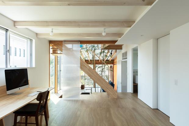 Фото №9 - Современный дом с атриумом в Японии