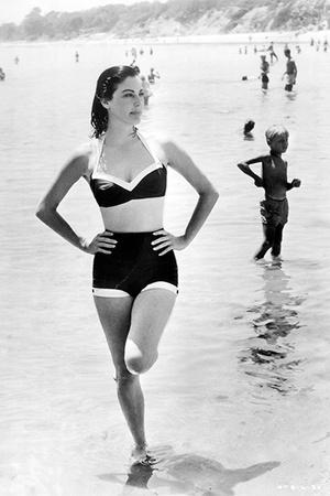 Фото №12 - 7 купальников, которые носили легендарные иконы стиля