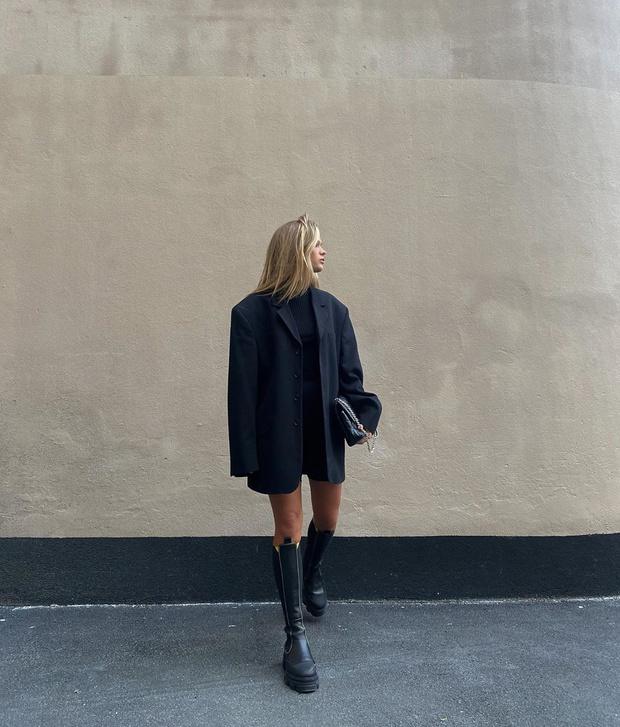 Фото №2 - Инфлюенсер Ханна Шонберг показывает, с чем носить самые модные ботинки этой осени