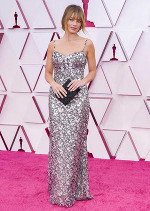 Фото №22 - «Оскар-2021»: лучшие образы церемонии награждения