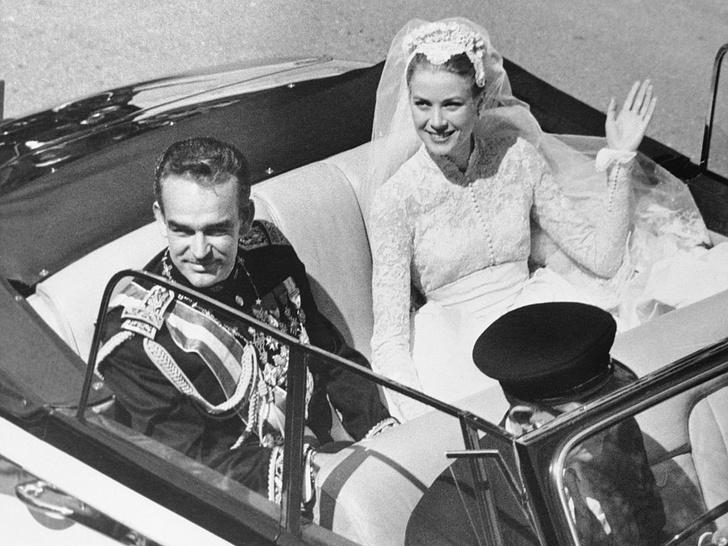 Фото №1 - Жертва любви: почему Грейс Келли пришлось лишиться миллионов ради брака с князем Монако