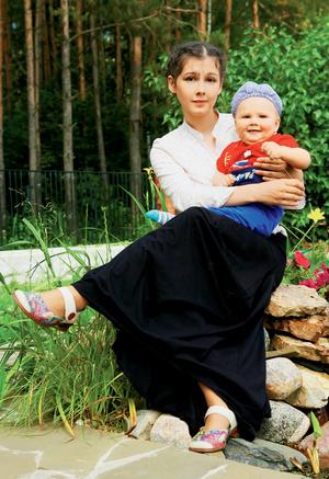 Фото №1 - Полина Агуреева: убаюкать младенца