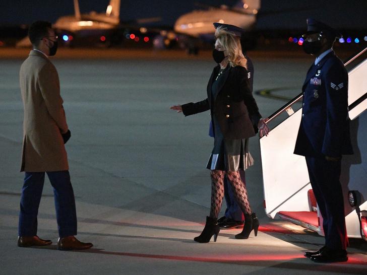 Фото №20 - 12 самых скандальных нарядов Первых леди, за которые им досталось от прессы
