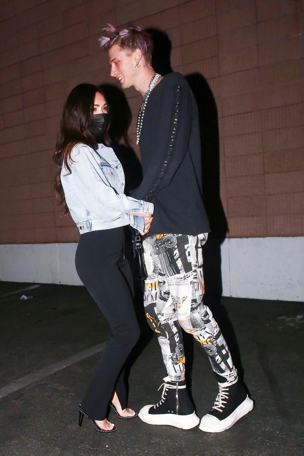 Фото №1 - Так выглядит любовь: Меган Фокс и Machine Gun Kelly на романтическом свидании