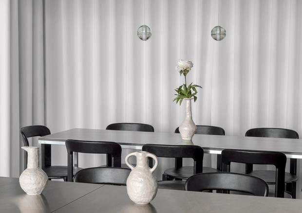 Фото №9 - Берлинский ресторан в терракотовых тонах