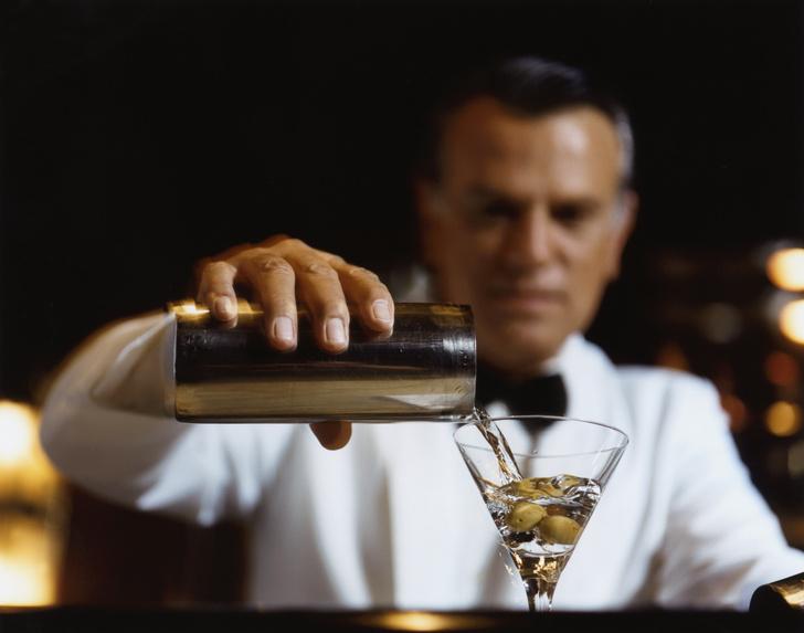 Фото №5 - Пять истинно мужских коктейлей, которые стыдно не уметь делать