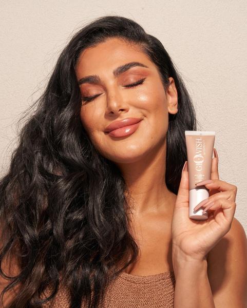 Фото №3 - Что купить из первой коллекции макияжа HUDA BEAUTY с легкими текстурами