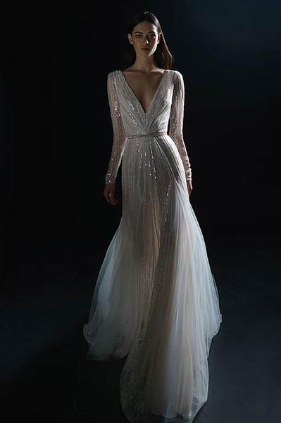 Фото №4 - Свадебная мода: выбираем платье для девушек с формами