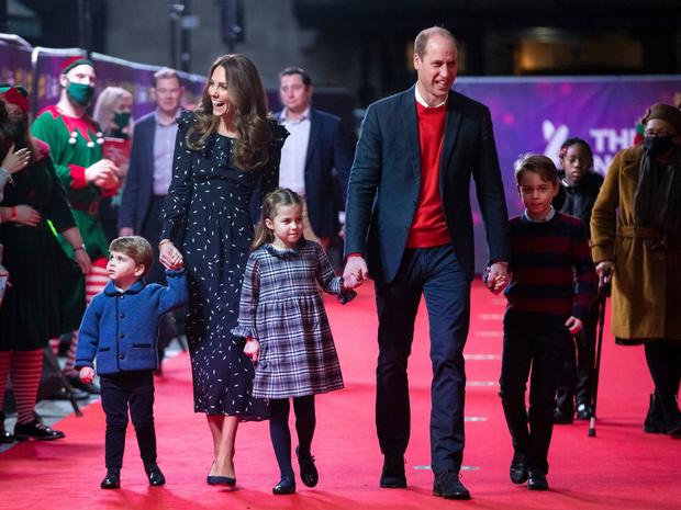 Фото №2 - Как и почему Кейт поменяла свою родительскую тактику за последний год