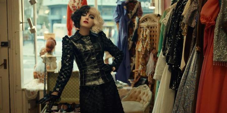 Фото №5 - 10 самых стильных нарядов Круэллы из фильма «Круэлла»