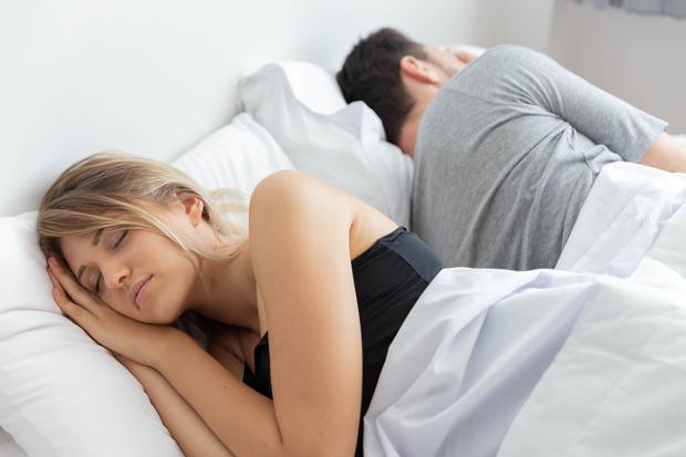 Фото №4 - Тест на отношения: о чем говорит поза, в которой вы спите с партнером