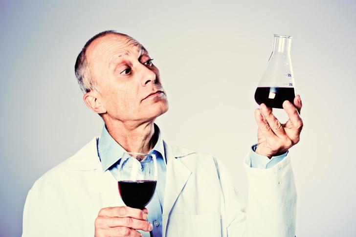 Фото №1 - До добра не доведет: 10 самых распространенных заблуждений об алкоголе