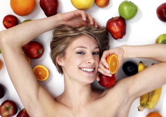 Фото №3 - Голодать не придется: диетологи выделили 5 лучших диет для похудения в жаркую погоду