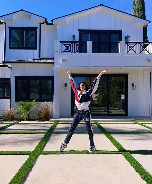 Одна дома: модель Винни Харлоу приобрела первую в своей жизни недвижимость