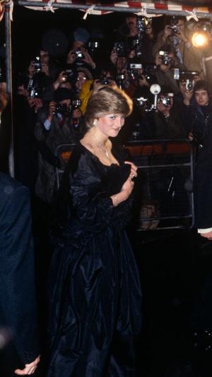 Фото №12 - Первые модные победы: лучшие образы Дианы до брака с принцем