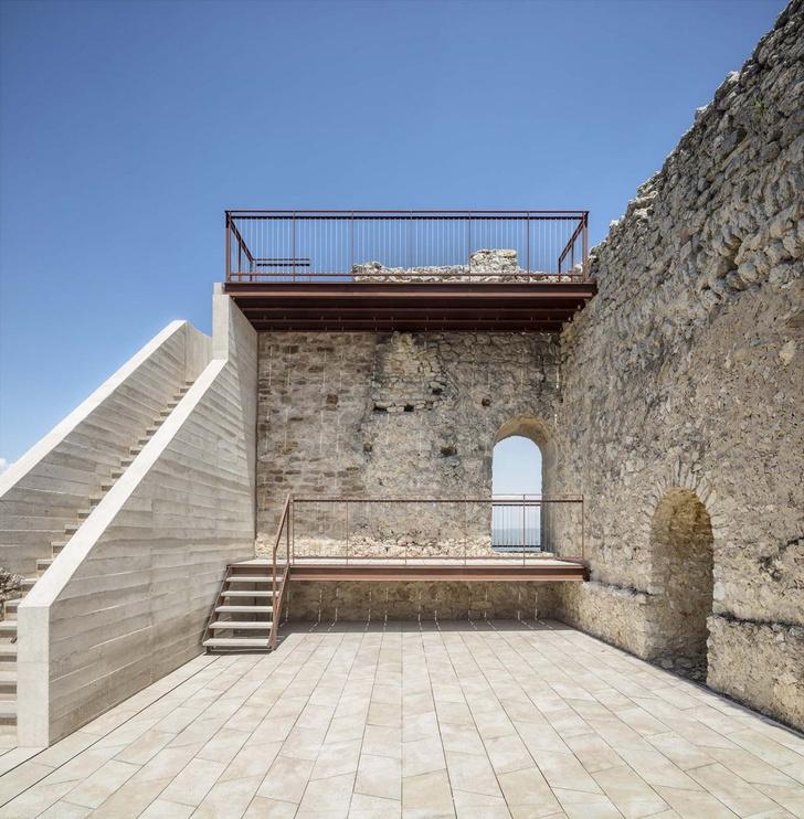 Фото №4 - Студия Meritxell Inaraja восстановила замок XII века в Каталонии