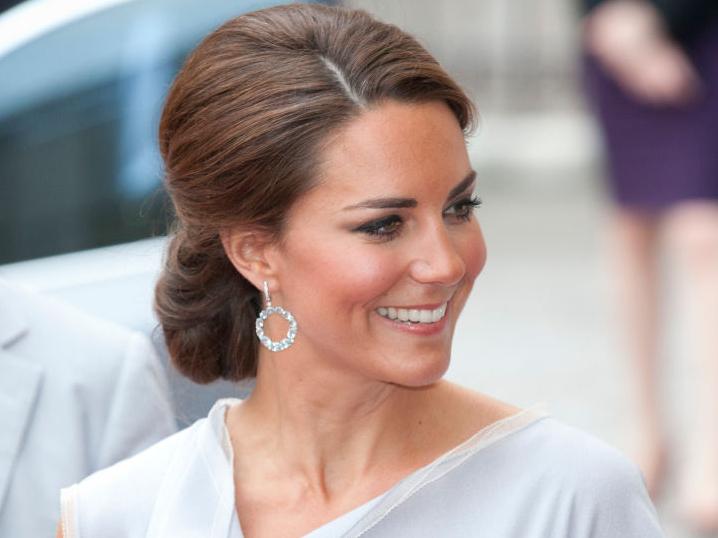 Фото №4 - От герцогини Кейт до кронпринцессы Мэри: как королевские особы носят топазы