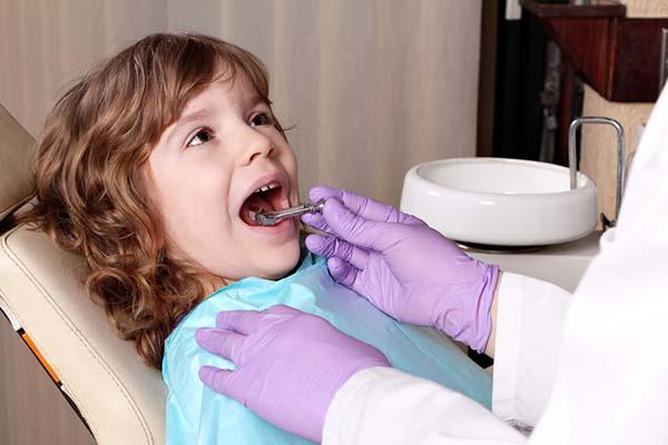Фото №2 - Лечение детских зубов: без шума ипыли